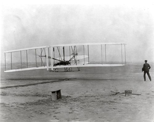 754px-The_Wright_Brothers_First_Heavier-than-air_Flight_-_GPN-2002-000128